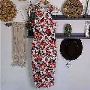 Love J right fitting floral dress size M NWT